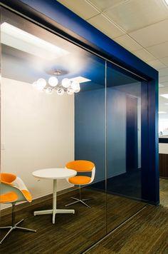 phone booth / meeting room pequeno dos o tres personas en la entrada
