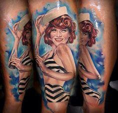 Tatuajes de chicas pin-up, chicas sexys, guapas — y que casi siempre están sonriendo—. Como Pilar Rubio o Kety. Los tatuajes de chicas pin up son un clásico