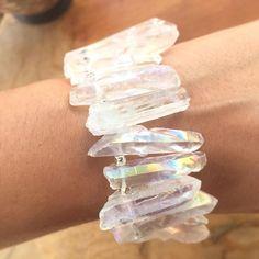 Quiero compartir lo último que he añadido a mi tienda de #etsy: Pulsera cuarzo irisado piedras desiguales con cuentas color plata https://etsy.me/2HImgIy #artencasa #artencasadiy #pulsera #brazalete #braceletstone #bracelets #bracelet #quartzbracelet #stonebracelet