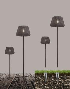 Familia de Lámparas RALPH de Panzeri. Colección de lámpara IP65 en aluminio e latón marrón metalizado. Pantalla en rattan sintético.  Lámpara de interior/exterior con pantalla en rattan sintético con difusor en polimetilmetacrilato (PMMA) transparente con cable naranja.   #IluminacionHelios 》Siguenos en Twitter: @ilumina_helios ● Facebook: Iluminación Helios ● Pinterest: IluminacionHelios ● YouTube: IluminacionHelios ● Visita: www.helios.com.ve