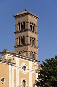San Sisto Vecchio - The Basilica was constructed in the fourth century and is recorded as the Titulus Crescentianae, thus relating the church to a certain Crescentia, (possibly a Roman woman who founded the church.) According to tradition, the church was established by Pope Anastasius I (399–401).