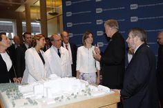 Queen Letizia visits the National Cancer Institute in Washington on Sept 16, 2015.