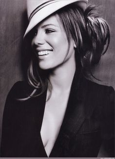 Kate Beckinsale is seriously stunning.