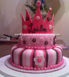 Homemade Crown Cake: This crown cake was a cake made for one of my friend's little girls.  Her name is Laila and she was turning 3 year old.  Mom wanted a princes party with