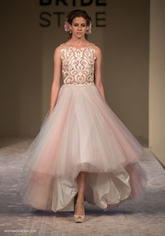 Vestido de Noiva/ Bridal Gown: Solaine Piccoli   Acessórios: Casa Vasconcellos   Fotos: Layla Eloá, exclusivo para o vestidadenoiva.com