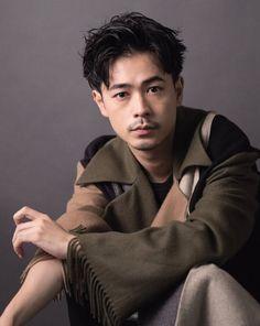 Japanese Men Hairstyle, Bob Perm, Top Haircuts For Men, Matted Hair, Shall We Dance, Boy Hairstyles, Short Hair Cuts, Eyebrows, Hair Beauty