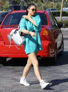 Kylie Jenner steps out in turquoise Ferrari for LA shopping trip | Daily Mail Online