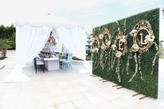 Party Setting: A look at the party setup for this Alice in Wonderland-inspired, very merry unbirthday party for 16-year-old Ciel.  Source: Melody Melikian Photography