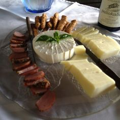Wine-tasting nibbles in Naoussa