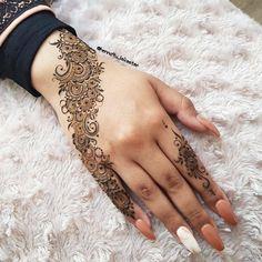 42 Trendy Henna Tattoo Design Ideas to Try,henna tattoo meaning,henna tattoo care,are henna tattoos permanent Henna Hand Designs, Mehndi Designs Finger, Mehndi Designs 2018, Mehndi Designs For Beginners, Mehndi Designs For Girls, Modern Mehndi Designs, Mehndi Design Photos, Mehndi Designs For Fingers, Beautiful Henna Designs