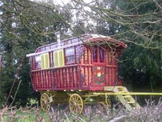 Gypsy Caravan, Gypsy Wagon, Indiana, Living In England, Gypsy Soul, Caravans, Running Away, Vintage Art, House Styles