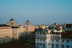 Вена — это одна из самых чудесных европейских столиц, где во всей красоте сохранилась историческая архитектура, а также сказочный дух старинного города. Если помните, у нас уже выходил большой гид по Вене, но мы всегда рады публиковать разные взгляды на один и тот же город. Валентина Голованьживёт и учится вавстрийской столице. Она составила для нас...