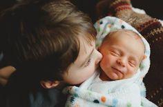 """A canadense Nycky-jay Vanjecek é uma fotógrafa profissional e mãe de dois filhos. Esposa de """"um homem incrível, muito companheiro e que faz ..."""