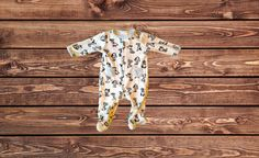 Boys Fleece Footed Pajamas (Size: 6 Months)