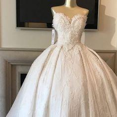 Wedding Dress Lilly Ghalichi (@lillyghalichi) Custom wedding gown by @ryanandwalter