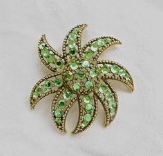 Weiss Starfish Brooch  Atomic Sunburst Pin Vintage Designer #weissbrooch #weisspin #vintageweiss #weissjewelry #vintageweissjewelry