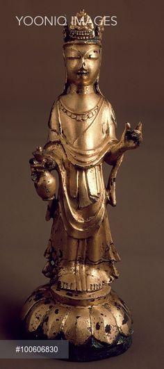 Avalokitesvara, bodhisattva of great compassion, gilded bronze statue, Korea. Korean Civilisation, Three Kingdoms period, 6th-7th century.