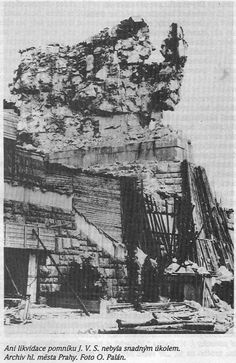Destruction of Stalin monument in Prague 1962