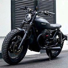 Cars Discover 68 new Ideas for retro bike moto guzzi Demo Ideas Honda Scrambler, Guzzi Bobber, Guzzi V7, Honda Cb750, Scrambler Motorcycle, Moto Bike, Motorcycle Outfit, Motorcycle Helmets, Ducati
