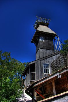 Steeple of the Minister's Tree House, Crossville, TN by Chuck Sutherland, via Flickr