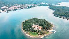 Krk eiland: Bezienswaardigheden op het gouden eiland | TRAVELAAR Website, Outdoor, Outdoors, Outdoor Games, Outdoor Living