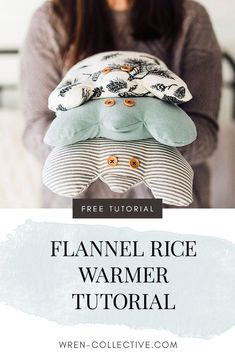 Easily make your own flannel rice pack with this DIY rice warmer bag tutorial. These make great Christmas gifts and are perfect to use year round for sore muscles. Easy Sewing Projects, Sewing Projects For Beginners, Sewing Hacks, Sewing Tutorials, Sewing Crafts, Sewing Tips, Diy Gifts Sewing, Craft Projects, Christmas Sewing Projects