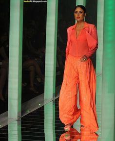 Kareena Kapoor at Lakme Fashion Week 2013 Ashok Chopra, Saqib Saleem, Prakash Jha, Kareena Kapoor Pics, Dharma Productions, Amrita Rao, Randeep Hooda, Anthology Film, Actress Priyanka Chopra