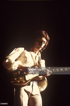 Foto di attualità : Photo of Steve HACKETT and GENESIS, Steve Hackett...