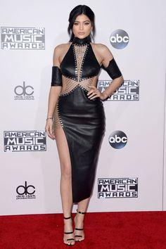 American Music Awards 2015 : les looks du tapis rouge Kylie Jenner Dress, Kylie Jenner Style, Diane Kruger, Vanity Fair, Taylor Swift, American Music Awards 2015, Peplum Dress, Bodycon Dress, Jenner Family