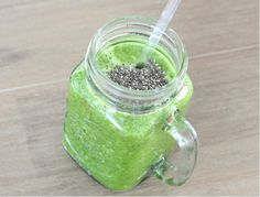I Love Health | Eetdagboek van Health Lover and Blogger Marloes | http://www.ilovehealth.nl - green smoothie with chia seeds - foto: thebeautyassistant.nl