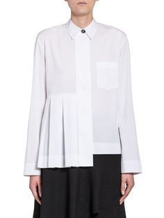 Pleated Blouse In Poplin Coloured Buttons from the Marni Autumn Winter collection. Shop online on the official store and discover the full catalogue. Fashion Details, Fashion Design, Fashion Trends, Mode Outfits, White Tops, Shirt Blouses, Collared Shirts, Blouse Designs, Ready To Wear