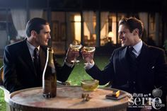 New images from las chicas del cable - Yon González y Martino Rivas.