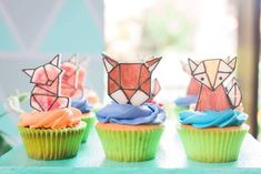 Jaime's Geometric Fox Themed Party – Sweets Geometric Fox, Party Themes, Party Ideas, Party Sweets, Birthday, Desserts, Food, Tailgate Desserts, Birthdays