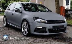 VW Golf grau matt