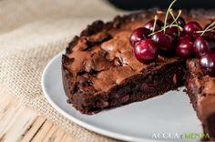 Una peccaminosa torta di cioccolato e ciliegie per celebrare la giornata nazionale delle ciliegie del Calendario del Cibo Italiano di AIFB.