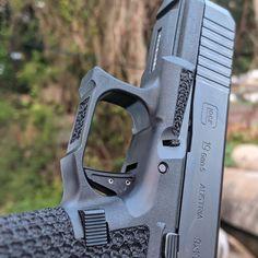 Shotguns, Firearms, Glock Stippling, Custom Glock, Cool Guns, Undercut, Pistols, Hand Guns, Battle