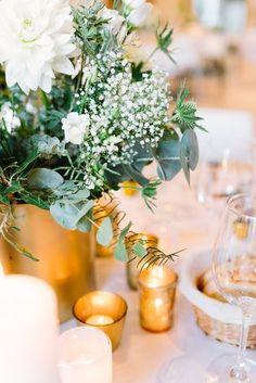 Hochzeitstisch mit Schleierkraut und Eukalyptus (Foto: Le Hai Linh)