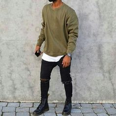 CrewNeck (Long shirt under) with Levi Jeans, Kicks Vans Cody Inspired. CrewNeck (Long shirt under) with Levi Jeans, Kicks Vans Autumn Fashion Casual, Fall Fashion Trends, Casual Fall, Men Casual, Fashion Black, Mens Swag Fashion, Short Mens Fashion, Men's Street Fashion, Urban Fashion Men