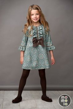Adorable Back to School Fashion for Girls Little Dresses, Little Girl Dresses, Girls Dresses, Baby Girl Fashion, Kids Fashion, Fashion Outfits, School Fashion, Look Girl, Kids Wear
