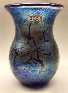 A MALTESE GOZO GLASS ' MIDNIGHT ' IRIDESCENT VASE - SIGNED & WITH STICKER LABEL