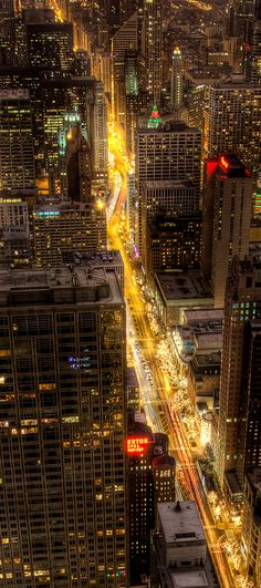 Magnificent Mile, Chicago, USA by Chris Smith