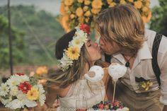 Rayanne e Alessandro se conheceram em um site de relacionamentos, ela brasileira e ele suíço. E este ano realizaram o casamento dos sonhos. Vem ler!