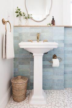 This pedestal sink is very narrow. Bathroom Renos, Small Bathroom, Master Bathroom, Bathroom Ideas, Pedestal Sink Bathroom, Home Design, Pebble Floor, Wall Trim, Small Toilet