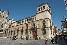 palacio de los guzmanes leon - (Arq. Rodrigo Gil de Hontañón)