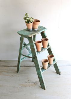 Vintage Weathered Wood Ladder by lovintagefinds on Etsy Diy Garden Projects, Fun Projects, Wood Projects, Old Ladder, Wooden Ladder, Weathered Wood, Old Wood, Image Deco, Pine Walls