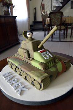 Tank Cake by Agnieszka Army Tank Cake, Army Cake, Military Cake, Military Party, Army Birthday Parties, Birthday Cake For Him, Cool Birthday Cakes, Candy Cakes, Cupcake Cakes