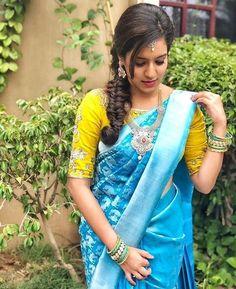 ideas for indian bridal dress royals color combos Sky Blue Saree, Blue Silk Saree, Wedding Silk Saree, Indian Silk Sarees, Pattu Saree Blouse Designs, Saree Blouse Patterns, Lehenga Designs, Fancy Blouse Designs, Bridal Blouse Designs