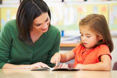 How to Improve Reading Comprehension in Early Readers- guest post from Julie Petterson at Minds in Bloom Reading Levels, Reading Skills, Teaching Reading, Learning, Teaching Kids, Reading Habits, Kids Reading, Guided Reading, Improve Reading Comprehension