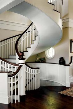 love this staircase. Obviously most homes wouldn't need multiple levels of stairs, but the circle and the circular stair case are kind of cool. Hard to get furniture up and down though. - My-House-My-Home Home Interior, Interior And Exterior, Interior Design, Bathroom Interior, Style At Home, Balustrades, Sweet Home, Minimalist Decor, Minimalist Kitchen