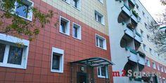 Vi offriamo un appartamento di 2 vani al primo piano di un palazzo del 1987 nella zona residenziale di Hohenschönhausen. L'appartamento si compone di 2 vani, cucina, balcone e bagno con vasca e predisposizione per la lavatrice. L'appartamento è in buono stato e necessita solo di piccoli interventi.